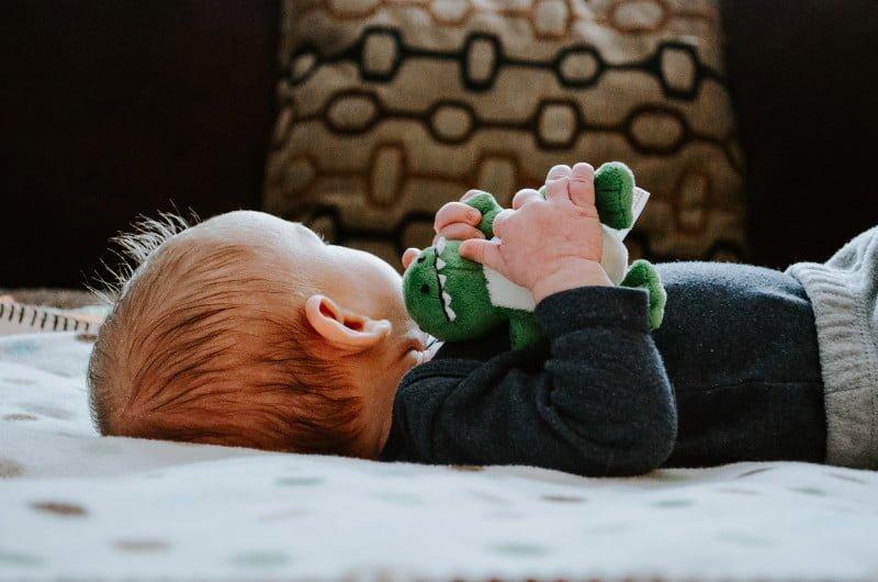 bébé et doudou, objet transitionnel