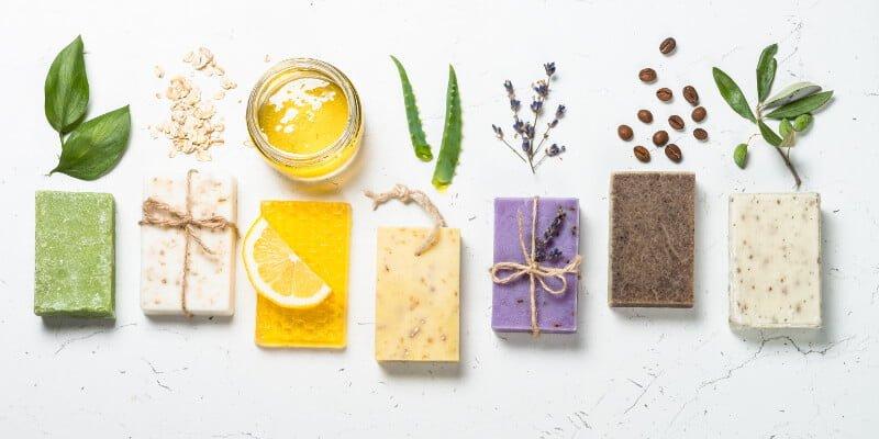 Des variantes de la recette du savon au lait maternel : savons naturels