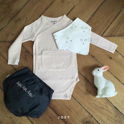 Une idée de tenue avec le bloomer et le badana bavoir Joey