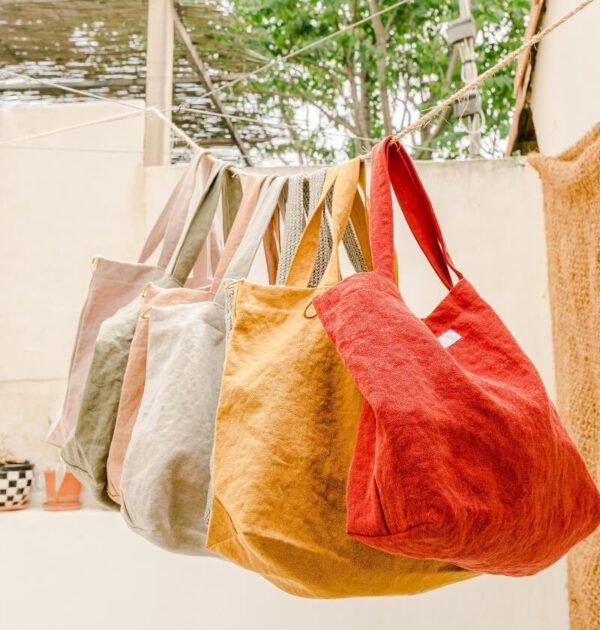Le cabas - sac à langer en lin Adorna est disponible en plusieurs coloris