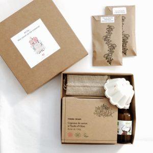 La première box diy bio pour fabriquer votre savon au lait maternel (modèle fleur)